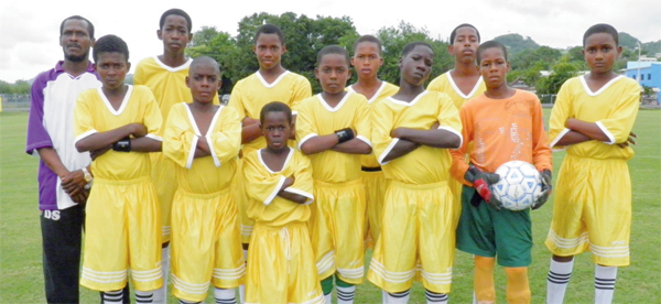 Canaries Under 15's. (Photo: Anthony De Beauville)