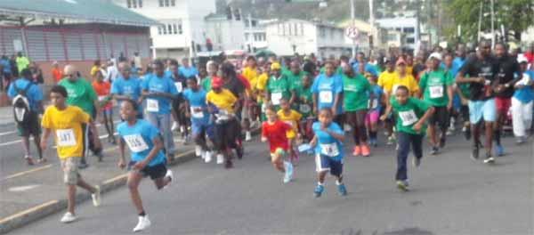 Image: Runners set off on Sunday's run.