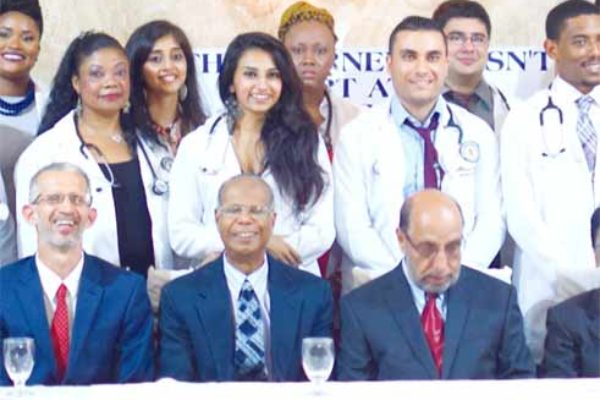 The medical students with special invitees and faculty members