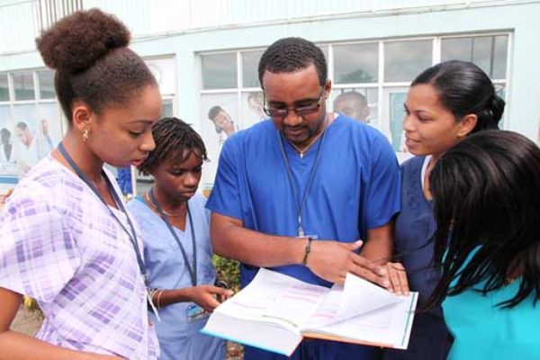 Image of medical students in St. Lucia.