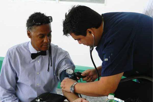 Image: Blood pressure testing