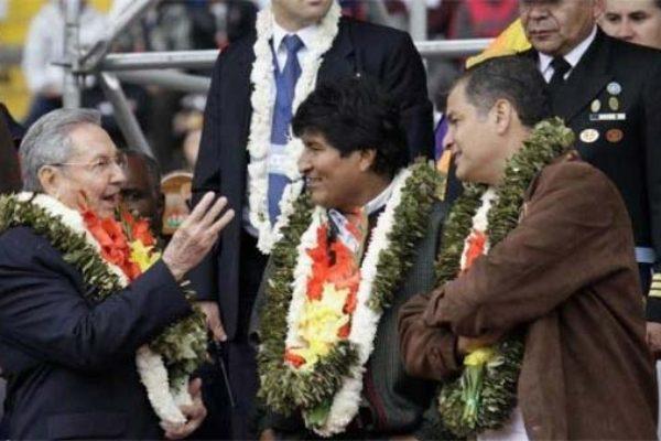 Image: Cuba's President Raul Castro (left) with the President of Bolivia and Ecuador.