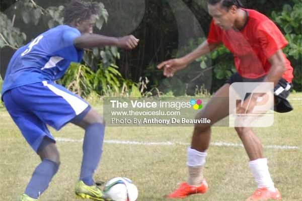 Some action in the match between La Clery and Gros Islet. (PHOTO: Anthony De Beauville)