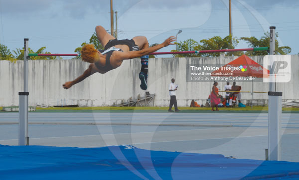 img: Jeanelle Scheper clears 1.91 metres for the silver medal.