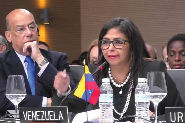 img:Sir Ronald Sanders (left) Delsey Rodriguez, Venezuela Foreign Minister (right) at the OAS General Assembly