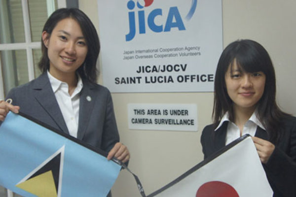 IMG: Ms. Megumi (left) and Ms. Saori (right)