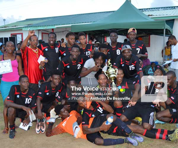 Image: Piton Travel Young Stars celebrate their victory  [PHOTO: Anthony De Beauville]
