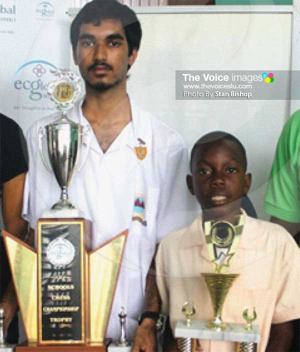 Image: This year's chess champs. [PHOTO: Stan Bishop]