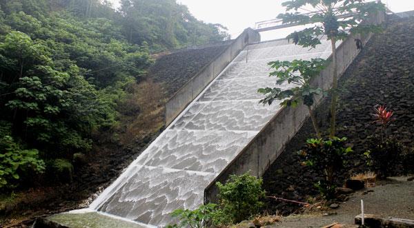 IMG: The spillover at John Compton Dam. [PHOTO: Stan Bishop]