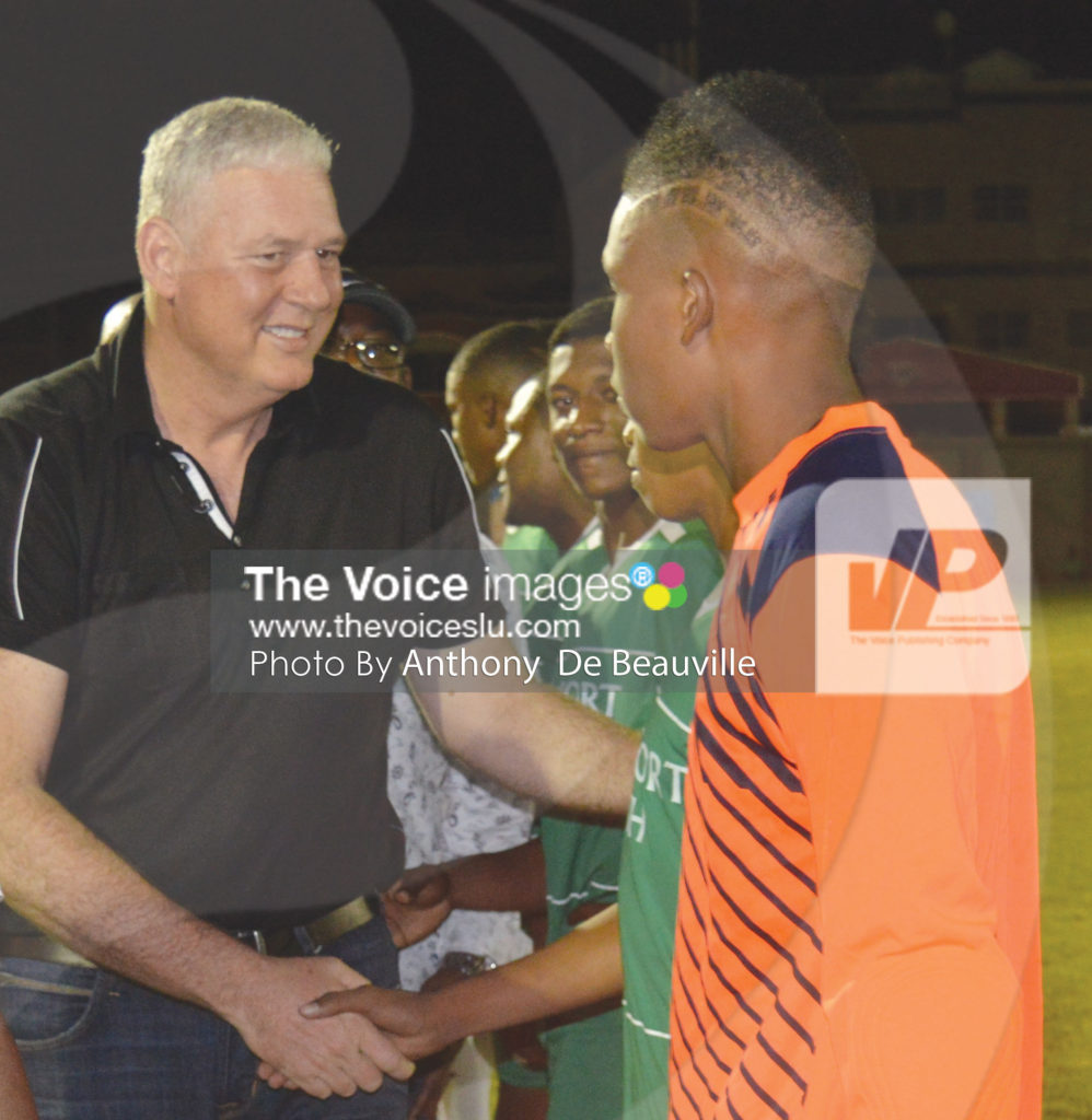img: Prime Minister Allen Chastanet took a time out to meet and greet the players.  (Photo: Anthony De Beauville)