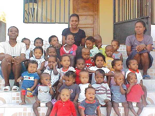 Image: Foster children in Haiti
