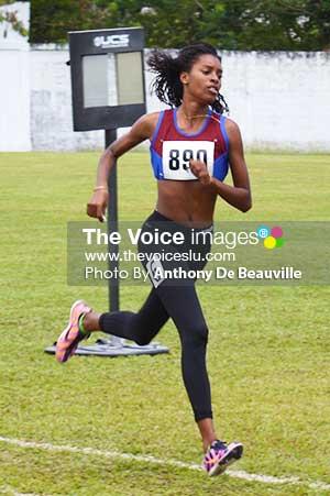 Image: Kamillah Monroque (No. 890) wins the 800 metres girls Under - 18s