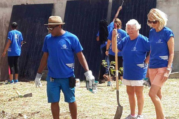 Image: Volunteers working on New Beginnings Transit Home.