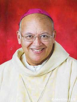Image of Archbishop Robert Rivas