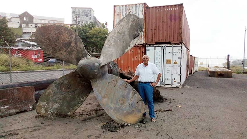Image: Chastanet next to the recovered Propeller