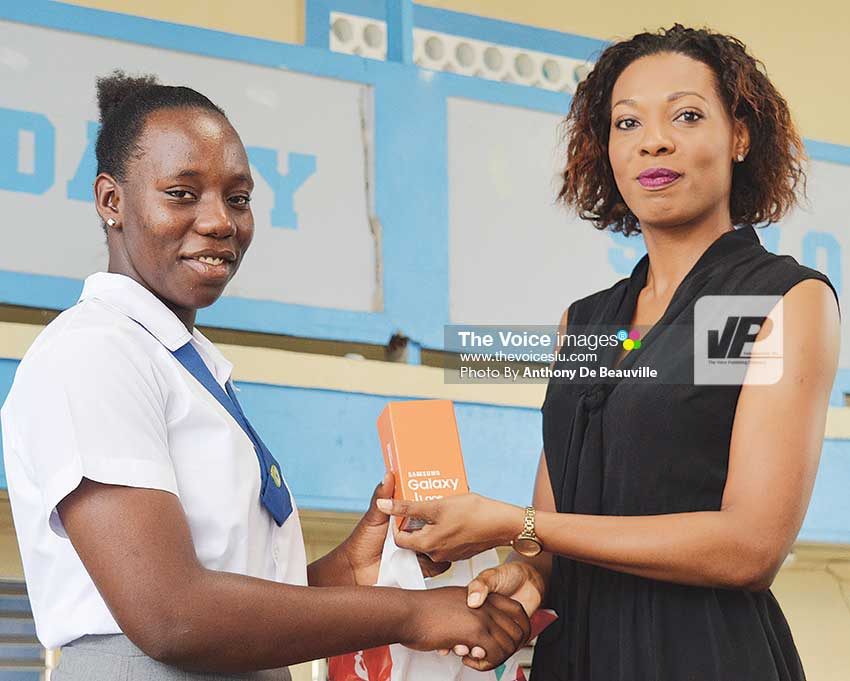 Image: Digicel's Louise Victor presenting a Samsung Galaxy phone. (Photo: Anthony De Beauville)