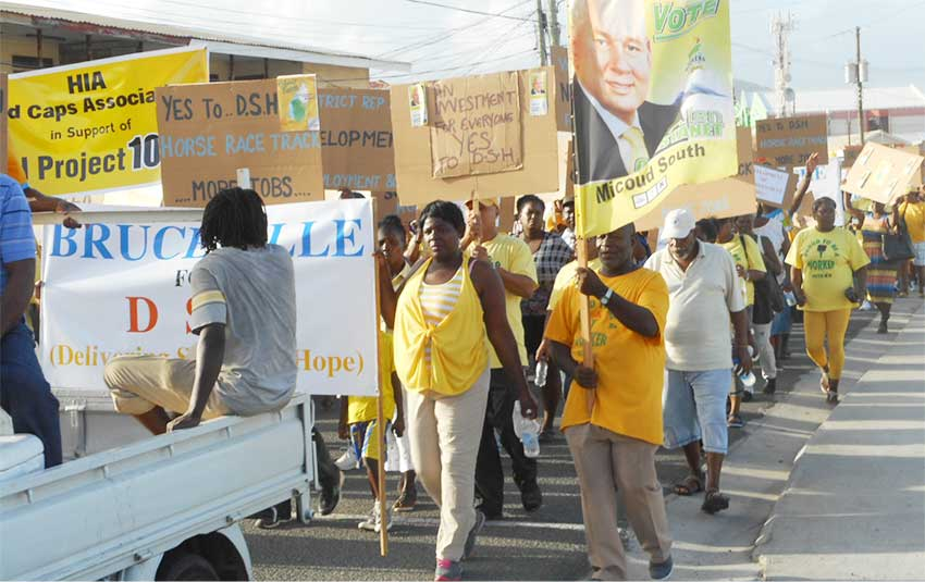 Image: Marchers in Vieux Fort supporting government's plans. [PHOTO: Kingsley Emmanuel]