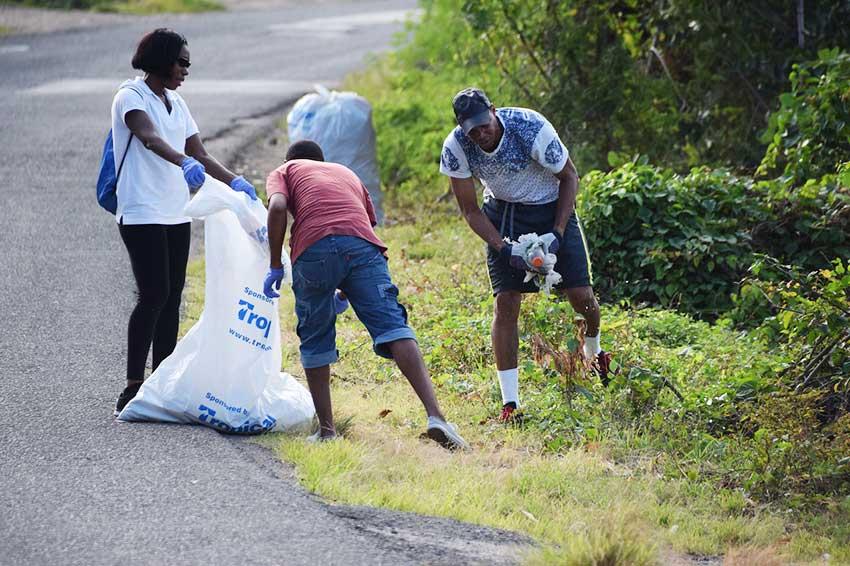 Image of volunteers during last weekend's clean-up