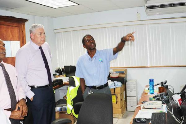 Image: Prime Minister finds out about concerns of staff.