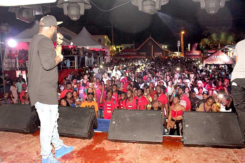 Image: Campari Brand Influencer Bunji Garlin entertains a full house at Verve Dark Park, Rodney Bay.