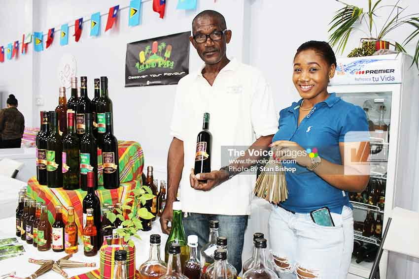 Image: How about a latanyé broom and some latanyé wine for Christmas? [PHOTO: Stan Bishop]