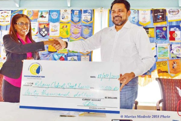 Image: Rotary's 5th female President, former Banker Soraya Warner-Gustav received the cheque from Mr Azeez on behalf of the club.