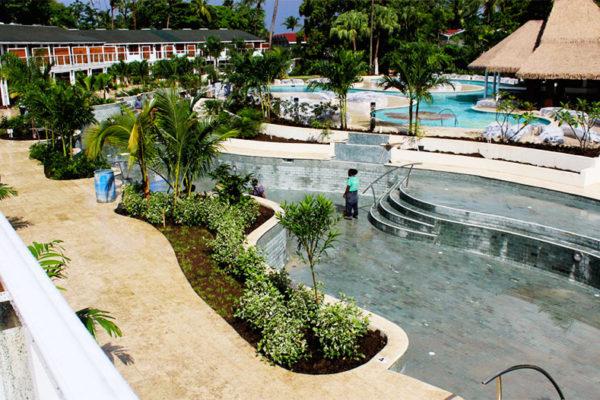Image of the Halcyon pool