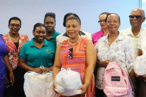 Image of Volunteers and recipients