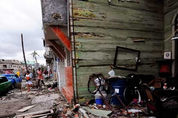 Image: Front of house completely destroyed during tornado