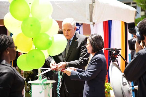 Image of Prime Minister Chastanet and President Tsai Ing' Wen at the launch of Phase two of the GINet WiFi project.