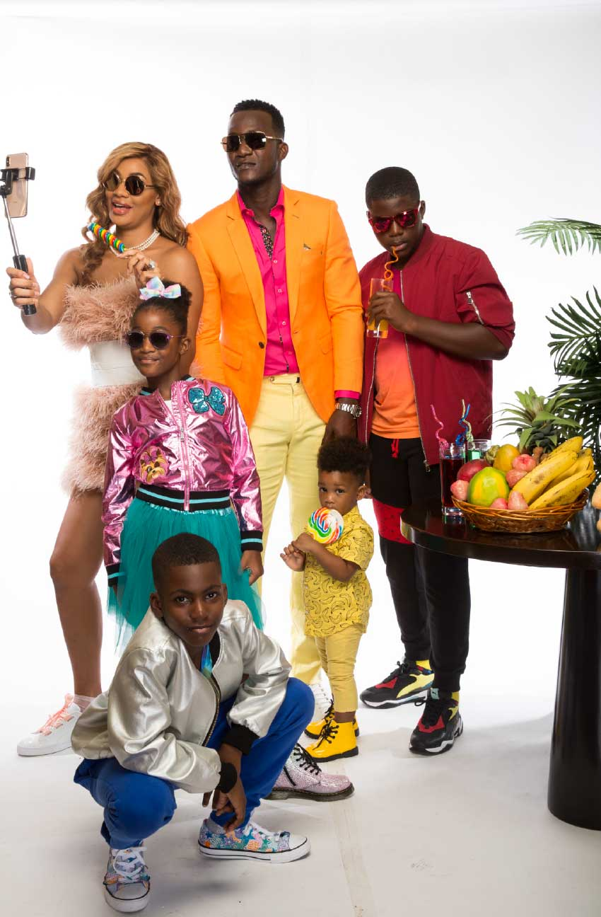 Image of Daren Sammy and his family.