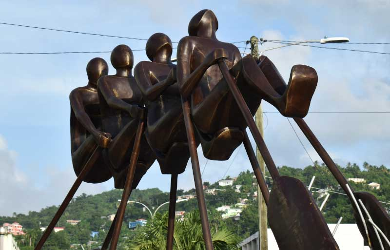 Image of the Independence monument on the Castries Roundabout.