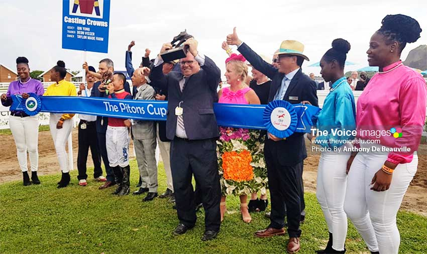 Image: Photo moment for DSH Caribbean Star The Pitons Cup; Casting Crowns; Owner: Frank Taylor; Trainer: Deon Visser; Jockey: Qin Yong. (PHOTO: Anthony De Beauville)