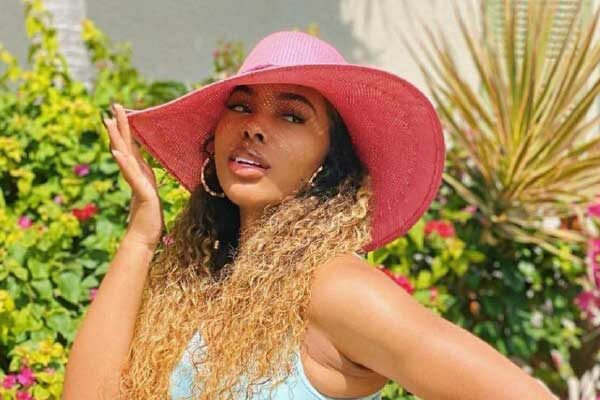 Image: R&B artiste Lucki Starr recently took her family to the Caribbean for beauty therapy and R&R.