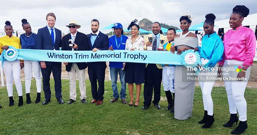 Image: A group photo for UK Tote Group Winston Trim Memorial Trophy Senor Guitar; Owner: Event Star; Trainer: Deon Visser; Jockey: Qin Yong. (PHOTO: Anthony De Beauville)